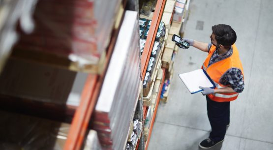 7 Factors to Consider Before Choosing a Warehouse